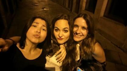 Laura de festa coas amigas