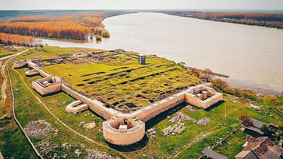 Ruinas de Capidava, foto de Bogdan Bola.